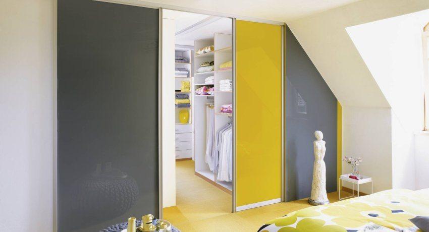 Типы конструкций зеркальных дверей для шкафа1