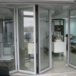 Достоинства алюминиевого профиля для раздвижных дверей1